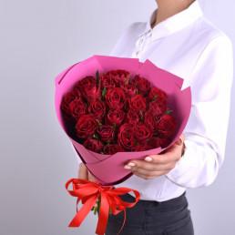 25 красных роз 40см Кения