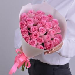 25 розовых роз 40см Кения