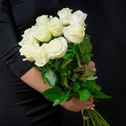 Букет из 11 белых роз 50 см Кения