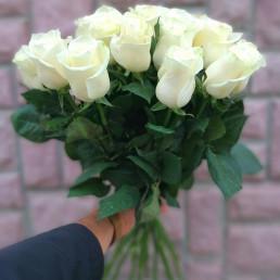 Букет из 15 белых роз 40 см Кения