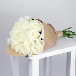 Букет из 15 белых роз 70 см Эквадор