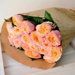 15 пионовидных роз 50 см