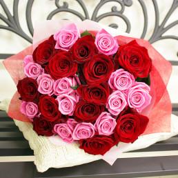 25 красных и розовых роз 40 см