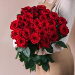 Букет из 25 красных роз 50 см Кения