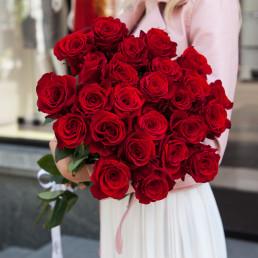 Букет из 25 красных роз 70 см Эквадор