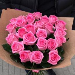 Букет из 25 розовых роз 40 см Кения