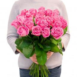 Букет из 25 розовых роз 50 см Кения