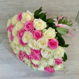 51 белая и розовая роза 40 см Кения