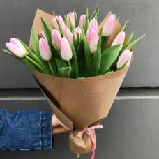 25 розовых тюльпана