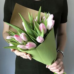 15 розовых тюльпана